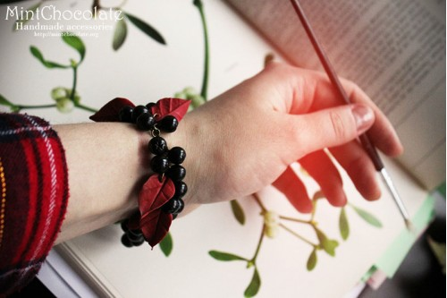 Black rowanberry bracelet