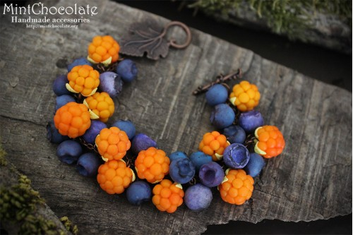 Scandinavian berries bracelet