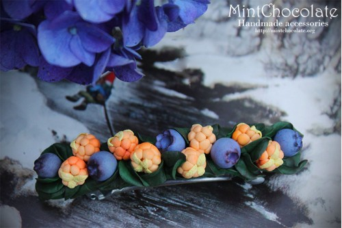 Scandinavian berries hairclip