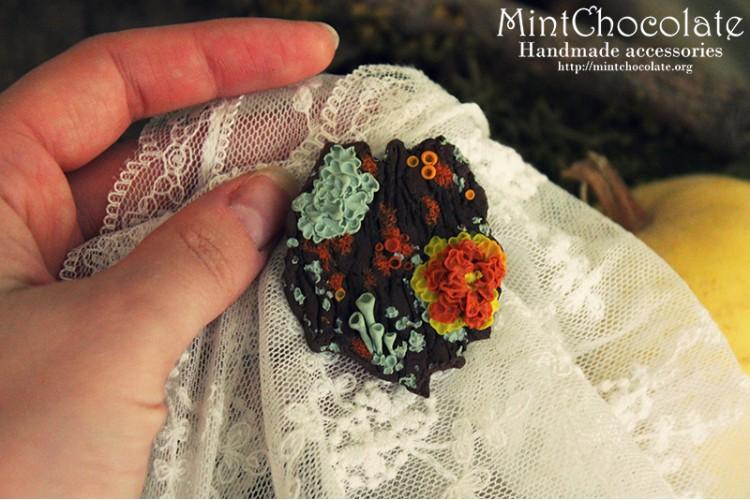 Lichen tree brooch