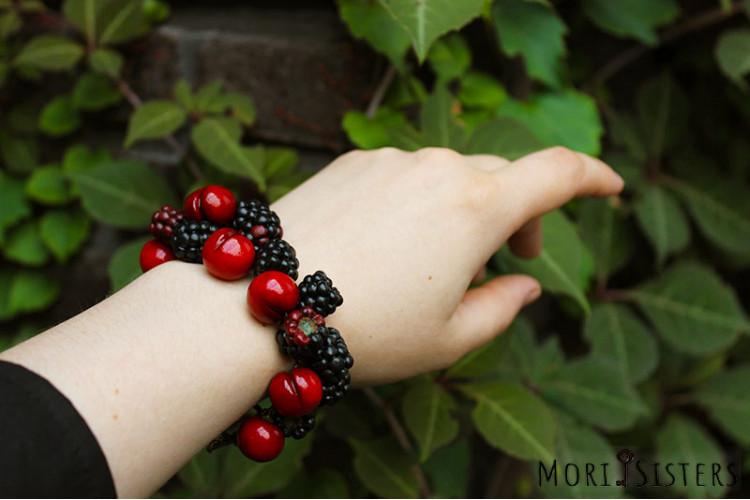 Cherry and blackberry bracelet