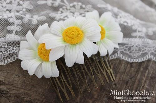 Daisy comb