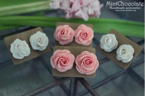 Roses stud earrings
