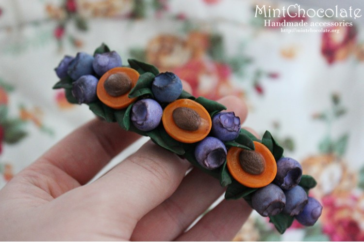 Apricot&blueberry hairclip