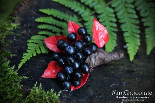 Black rowanberry brooch