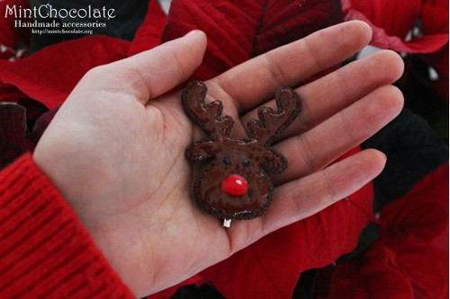Deer cookie brooch