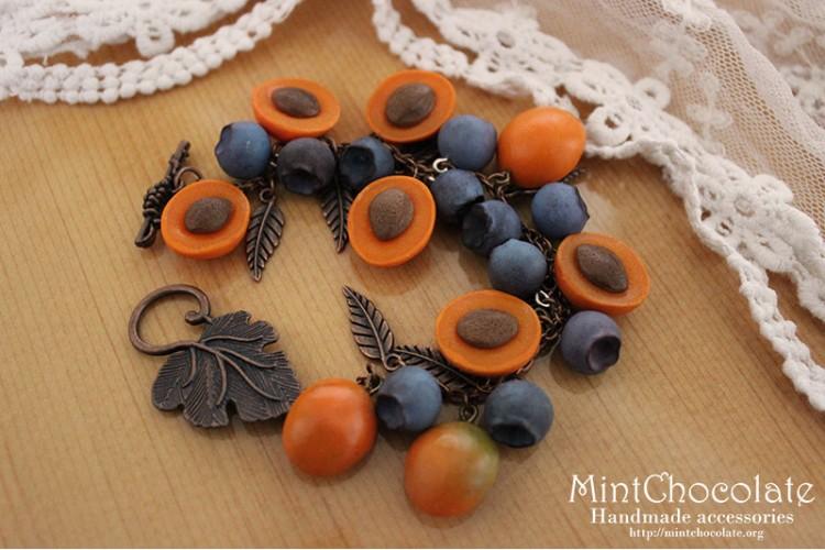 Apricot&blueberry bracelet