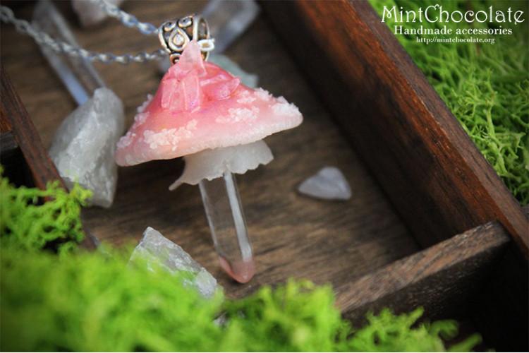 Quartz mushroom pendant