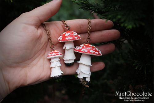 Red mushroom pendant