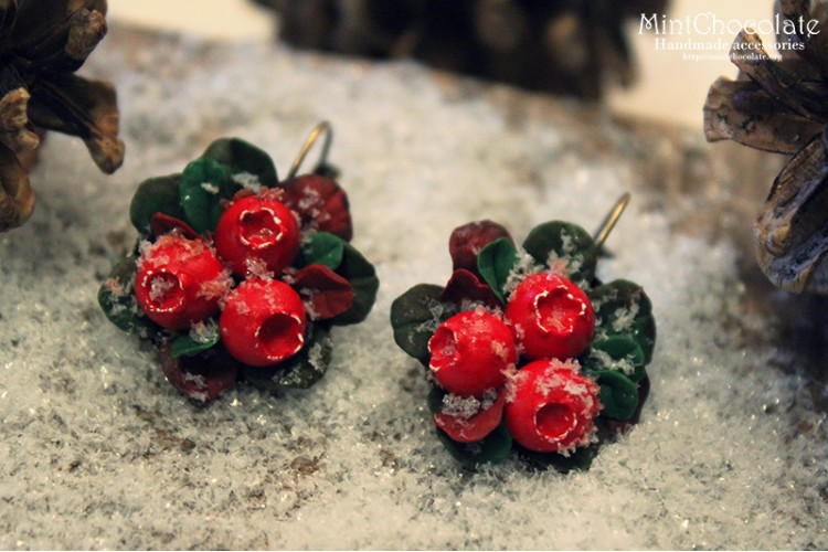 Snowy cranberry earrings
